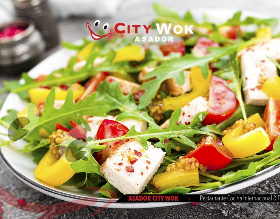 Toda una variedad de ensaladas en Asador City Wok Talavera